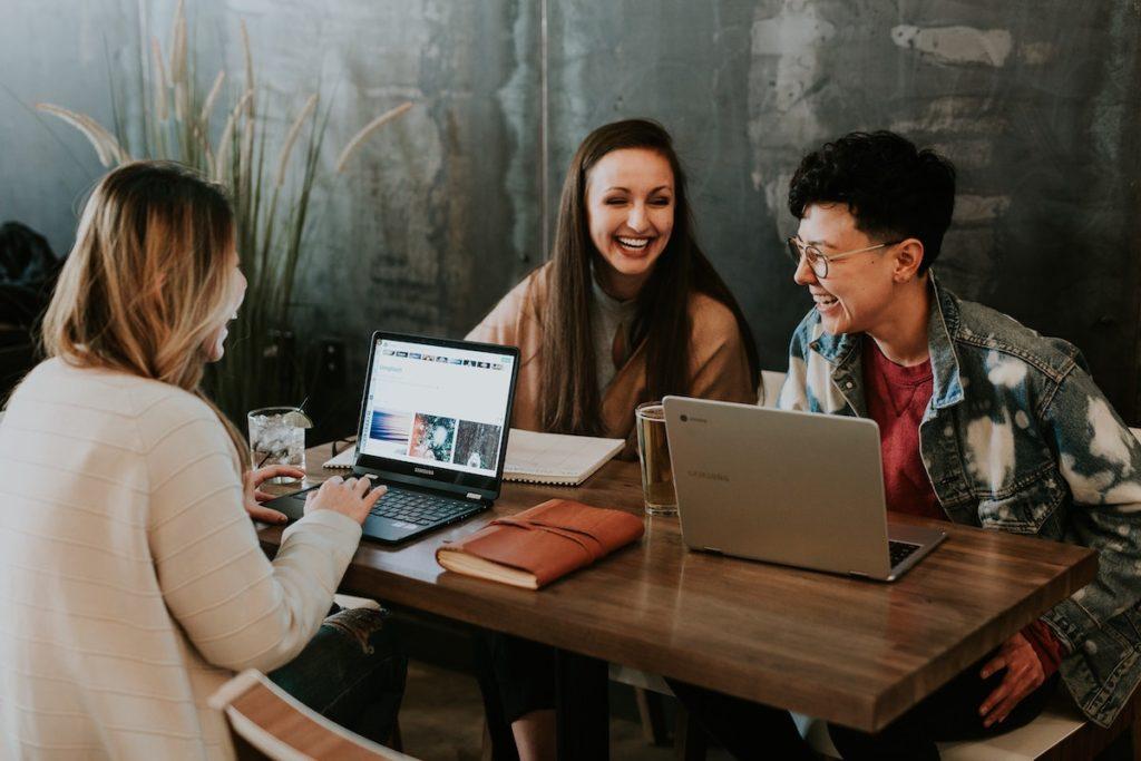 side hustles for college students